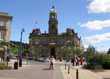 Dewsbury Town Hall, West Yorkshire © Humphrey Bolton